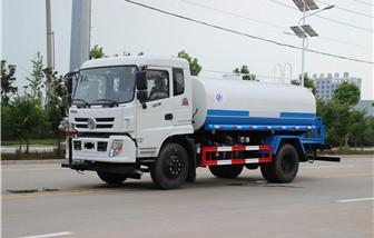 东风御虎12吨洒水车