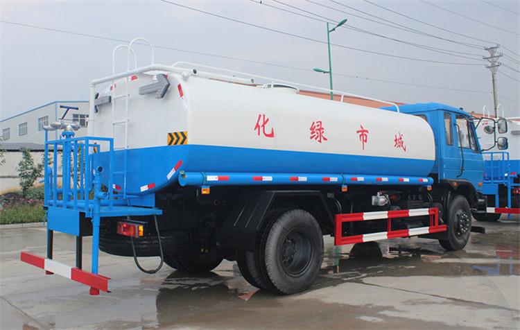 东风153-15吨洒水车侧方图