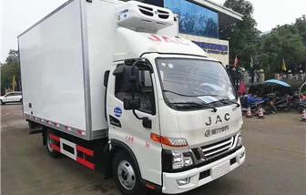 江淮骏铃V5冷藏车厢长4.03米