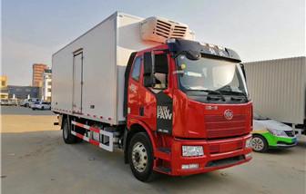 解放J6L质惠版冷藏车厢长6.8米