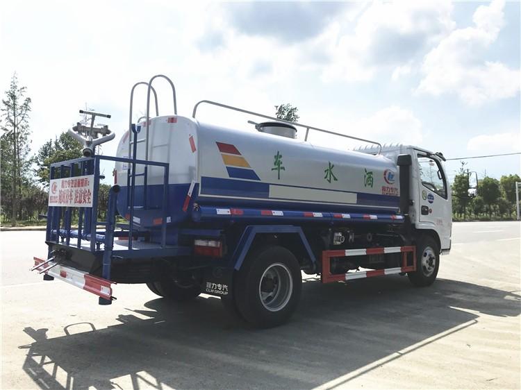 东风多利卡5吨洒水车多方位视角图片