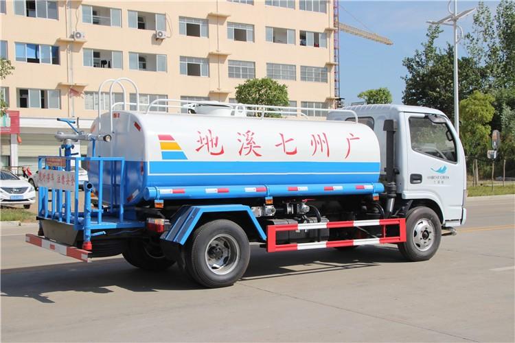 东风福瑞卡5吨洒水车多方位视角图片