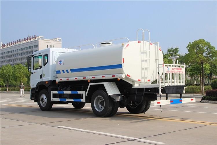 东风D9-12吨洒水车多方位视角图片