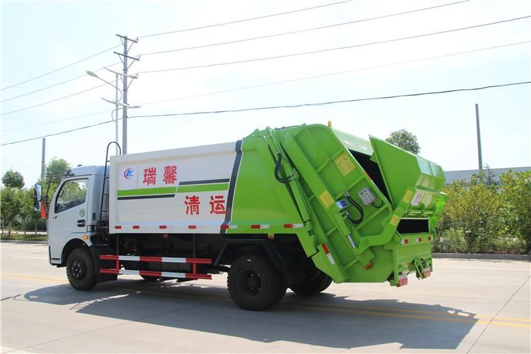 东风多利卡7-8方压缩垃圾车多方位视角图片