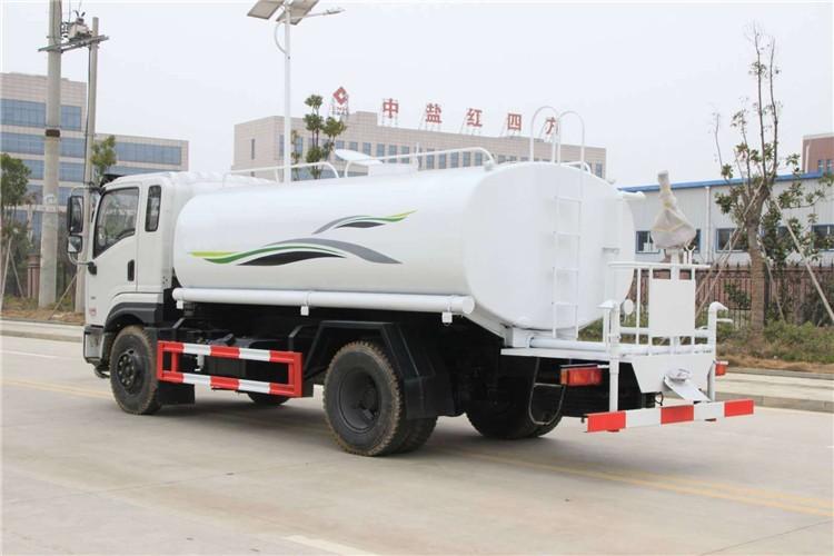 东风新款专底12吨洒水车多方位视角图片