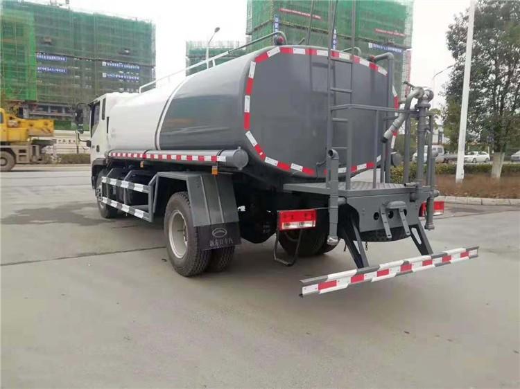 国六福田12-15吨洒水车多方位视角图片