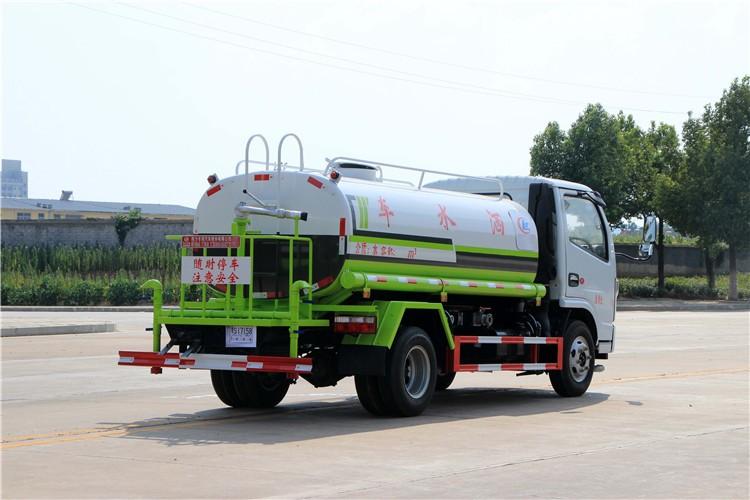 国六东风多利卡5吨洒水车多方位视角图片