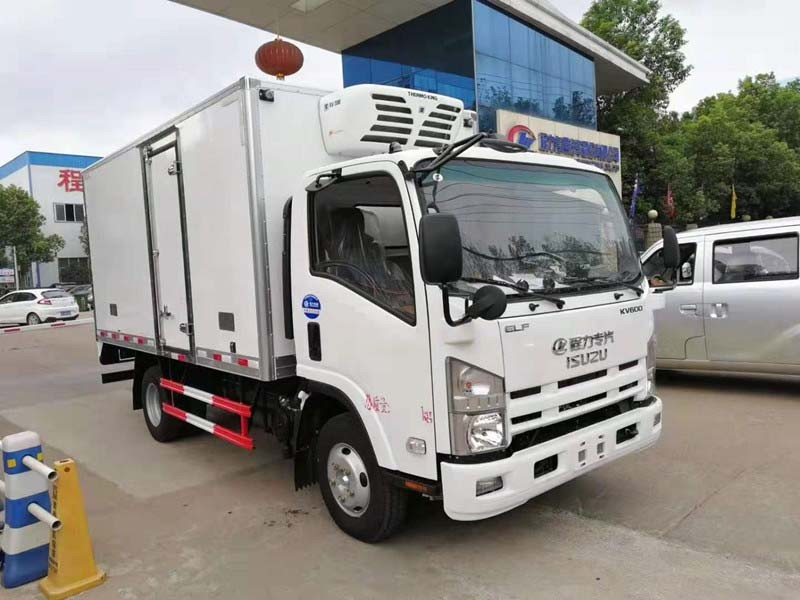 五十铃KV600冷藏车厢长4.015米多方位视角图片