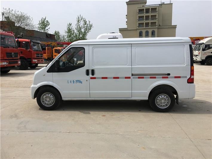 东风小康面包药品运输冷藏车3立方多方位视角图片