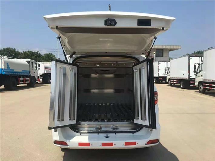 福田IX5面包冷藏车3立方多方位视角图片