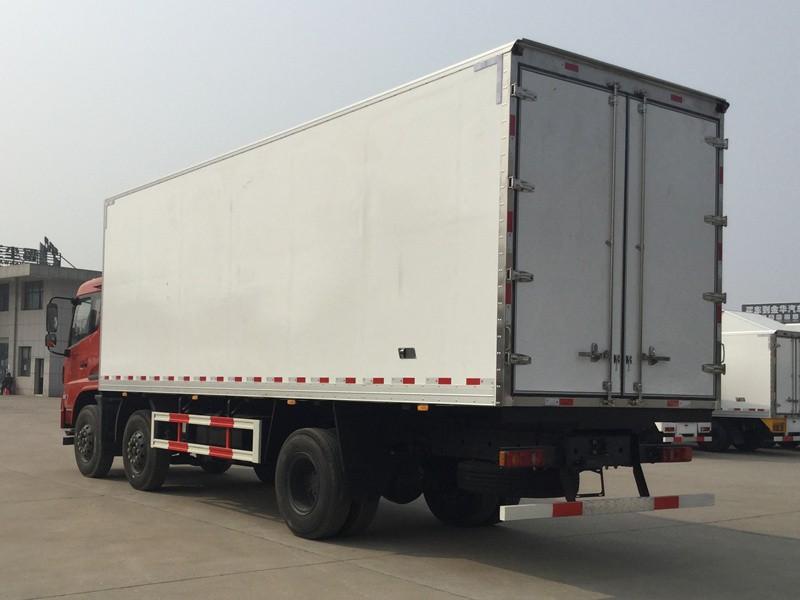 东风天锦小三轴冷藏车厢长8.6米多方位视角图片