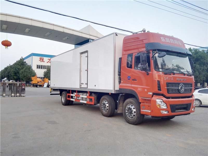 东风天龙小三轴冷藏车厢长9.4米多方位视角图片